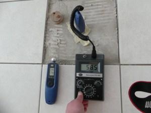 Untersuchung von Wasserschäden in einem Fußbodenaufbau - Gutachter Köln-Bonn-Düsseldorf